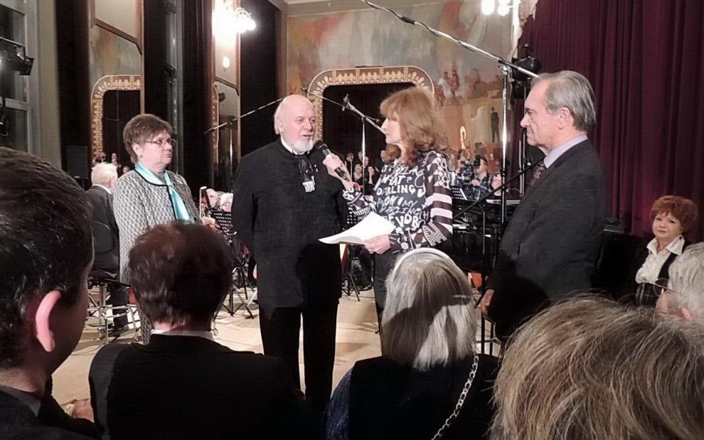riport dr. Sántha Gáborral, az 56-os Magyar Szabadságharcosok Világszövetségének elnökével